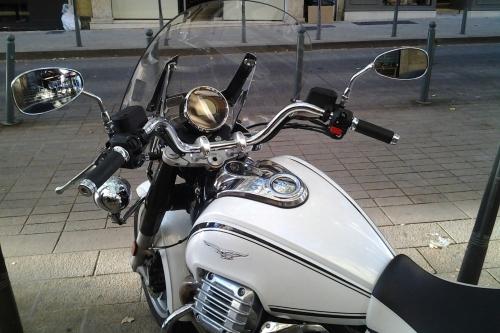 Tappo serbatoio moto per Moto Guzzi California bianca 240.ECT.BKE