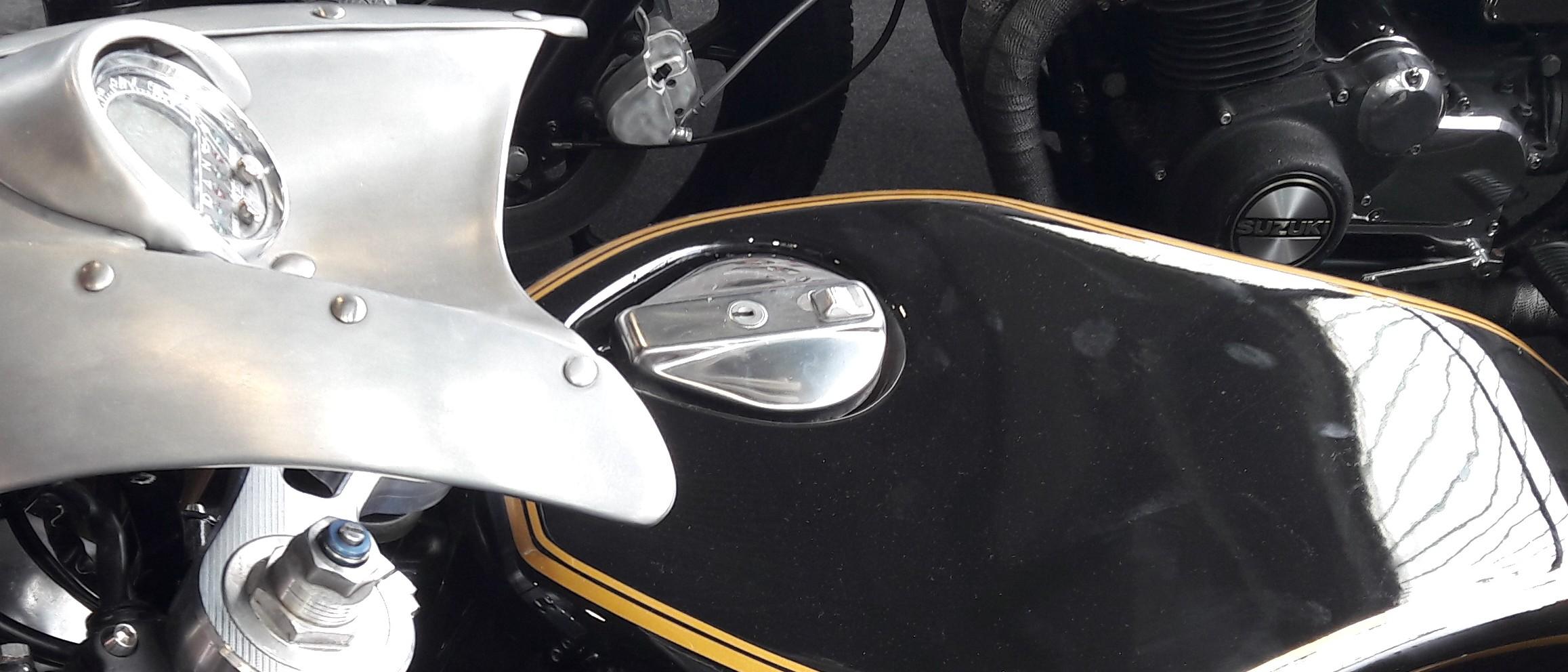 Moto custom con tappo serbatoio PN.BKE al Motor Bike Expo Verona 2018