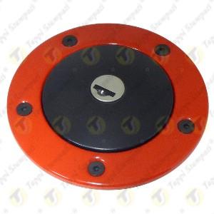 Tappo benzina nero per serbatoio moto 240.2V7.BKE con chiave e bocchettone con flangia rossa passaggio 40mm