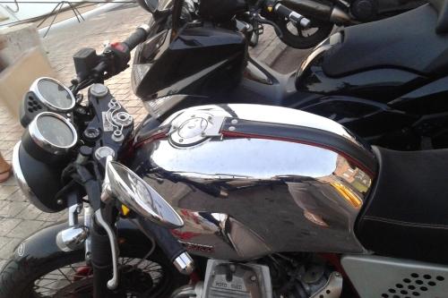 Tappo benzina 240.2V7.BKE per serbatoio Moto Guzzi V7 Racer